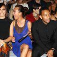 Giuliana Rancic, Chrissy Teigen et John Legend assistent au défilé Vera Wang printemps-été 2014 au Lincoln Center. New York, le 10 septembre 2013.