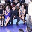 Giuliana Rancic, Chrissy Teigen et John Legend, attentifs lors du défilé Vera Wang printemps-été 2014 au Lincoln Center. New York, le 10 septembre 2013.