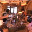 Nabilla et ses proches dans la bande-annonce d'Allô Nabilla : ma famille en Californie, sur NRJ 12ab