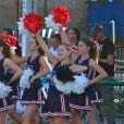 Exclusif - Ava Sambora joue la pom-pom girl pour son équipe de football américain devant ses parents divorcés, Heather Locklear et Richie Sambora. Los Angeles le 12 septembre 2013.