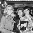 Catherine Deneuve et Bernadette Lafont lors de l'avant-première du film Zig-Zig à Paris en 1974