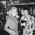 Catherine Deneuve et Bernadette Lafont lors de l'avant-première du film Zig Zig à Paris en 1974
