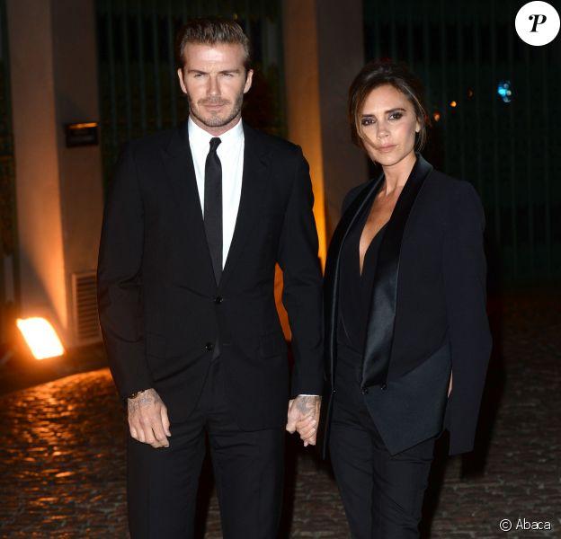 David et Victoria Beckham arrivent main dans la main au Global Fund en l'honneur du Green Carpet Challenge Collection, le 16 septembre 2013 à Londres