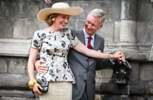 Mathilde et Philippe de Belgique, couple royal complice dans les caresses à Mons