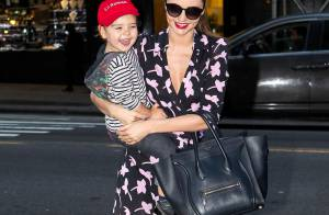 Miranda Kerr et Flynn : Shopping enjoué et complice dans les rues de New York