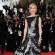 Cate Blanchett arrivant à la présentation de Robin des bois au Festival de Cannes le 12 mai 2010