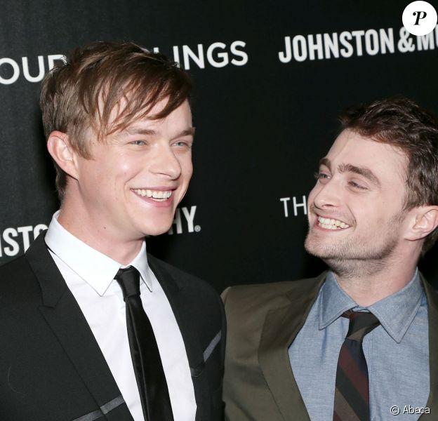 Dane DeHaan et Daniel Radcliffe complices lors de la projection du film Kill Your Darlings au Paris Theater, New York, le 30 septembre 2013.
