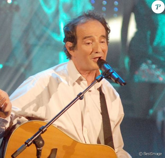 """Hervé Cristiani lors de l'émission """"Les années bonheur"""" sur France 2 en 2007."""