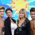"""Michelle Hunziker, enceinte de plus huit mois, sur le plateau de """"Striscia La Notizia"""" sur Canale 5. Milan, le 23 septembre 2013."""