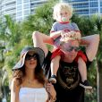 Boris Becker à Miami le 9 avril 2012 avec sa femme Lilly et leur fils Amadeus.