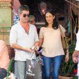 Simon Cowell et Lauren Silverman (enceinte) dans les rues de Beverly Hills, le 12 octobre 2013.