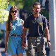 Exclusif - Shia LaBeouf et sa compagne Mia Goth font des courses dans un magasin de bricolage à Los Angeles le 23 juillet 2013