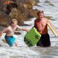 Gordon Ramsay et ses enfants à Malibu, le 21 août 2011