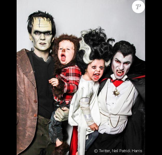 Neil Patrick Harris, son conjoint David Burtka et leurs enfants Harper Grace et Gideon Scott, pour halloween le 31 octobre 2013.