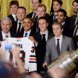 Barack Obama recevait l'équipe des Blackhawks de Chicago, victorieuse de la Coupe Stanley en 2013, le 4 novembre 2013 à la Maison Blanche à Washington
