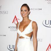 Stacy Keibler : Seule et radieuse, l'ex de George Clooney séduit la planète mode