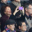 Roselyne Bachelot et Pascal Boniface lors du match entre le Paris Saint-Germain et l'OGC Nice, au Pars des Princes à Paris le 9 novembre 2013