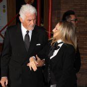 Barbra Streisand, amoureuse en robe fendue face à la jolie Lily Collins
