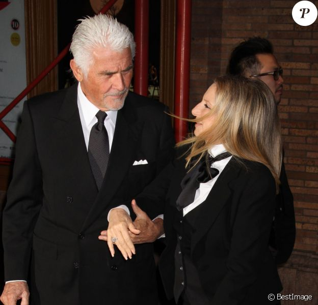 La chanteuse Barbra Streisand et son mari James Brolin à la 23 soirée Glamour Women of the Year, à New York, le 11 novembre 2013
