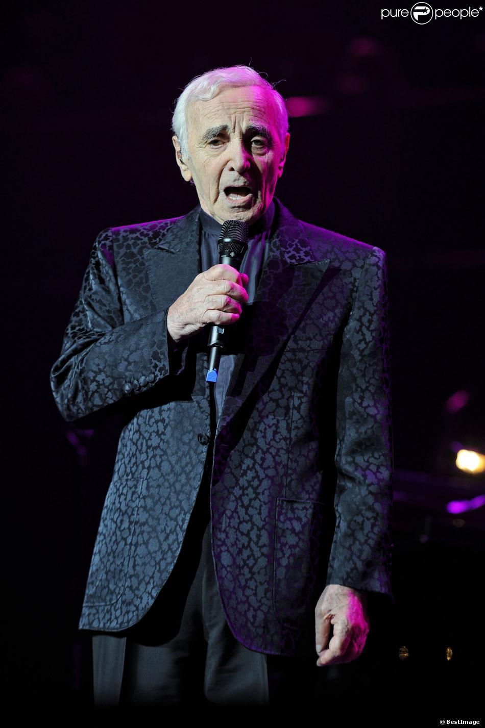 Charles Aznavour en concert au Royal Albert Hall à Londres le 25 octobre 2013
