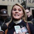 L'actrice Geneviève Sabourin quitte le tribunal de New York le 12 novembre 2013 après son procès pour harcèlement qui l'oppose à l'acteur Alec Baldwin.