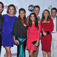 James Denton, Brenda Strong, Vanessa Williams, Eva Longoria, Mark Moses, Felicity Huffman, Doug Savant et Andrea Bowen lors d'une soirée pour la fin de la série Desperate Housewives, à Los Angeles, le 29 avril 2012.