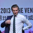 David Beckham, honoré par le Venetian Macao Resort Hotel, y dépose l'empreinte de ses mains. Macao, le 22 novembre 2013.