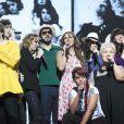 Collégiale avec Amel Bent, Mimie Mathy, Nolwenn Leroy, Hélène Ségara, Pascal Obispo, Thomas Dutronc - Spectacle des Enfoirés 2013, La boîte à musique.