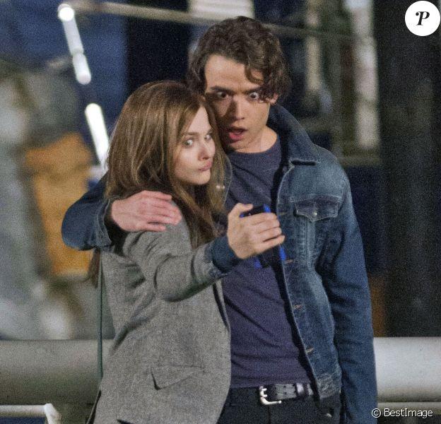 Chloë Moretz et Jamie Blackley sur le tournage de 'If I Stay' à Vancouver, le 26 novembre 2013.
