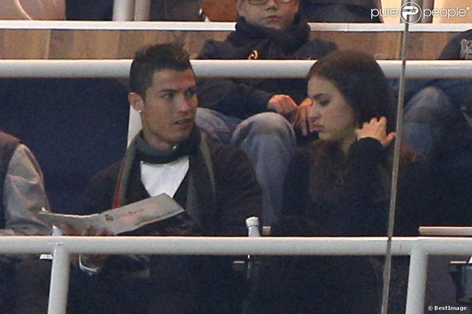 Cristiano Ronaldo et sa sublime compagne Irina Shayk assistent au match Real Madrid - Real Valladolid à Madrid, le 30 novembre 2013.