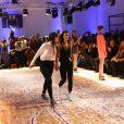 """Shy'm et guest lors du défilé de la marque créateur """"AS I AM"""", - collection printemps/été 2014 - à la galerie Nikki Diana Marquardt à Paris, le 4 decembre 2013"""