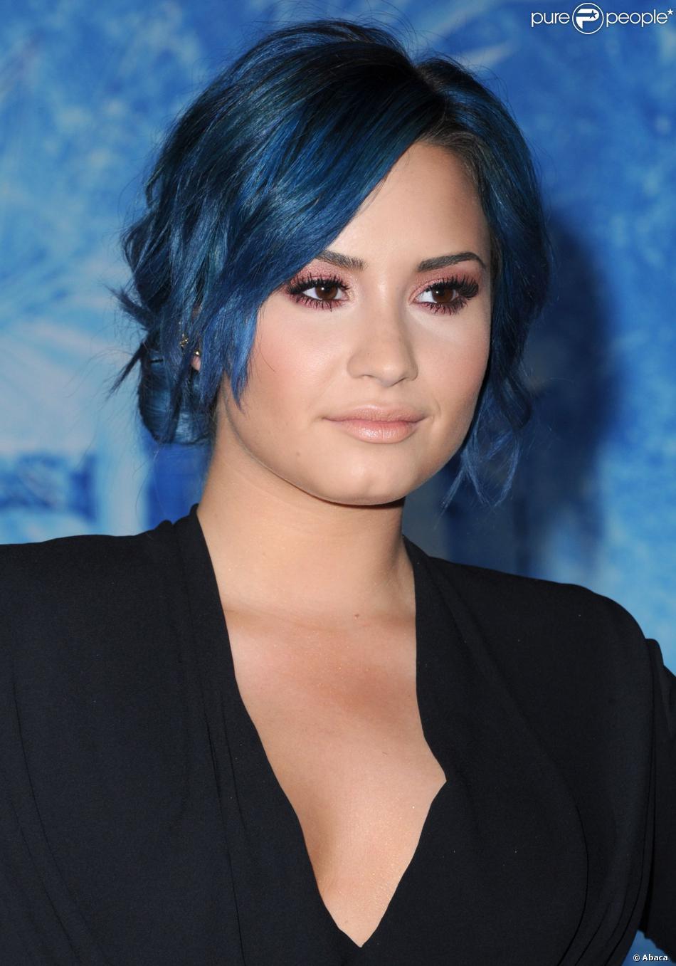 Demi Lovato à Los Angeles, le 19 novembre 2013.