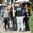 Exclusif - Maria Shriver va déjeuner avec ses fils Patrick et Christopher à Brentwood, le 10 décembre 2013.