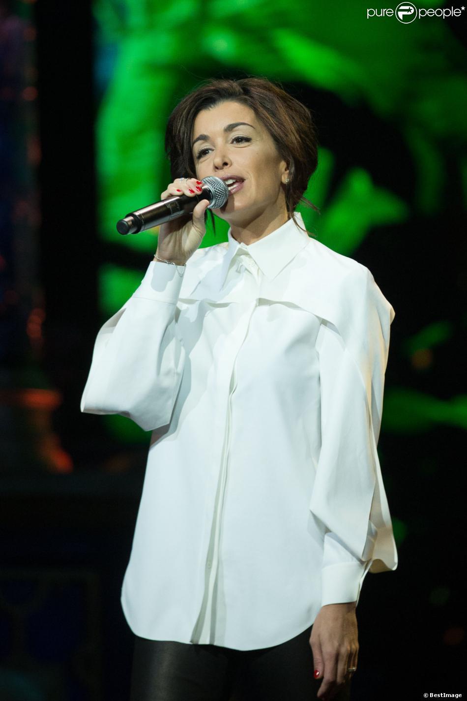 Exclusif - Jenifer Bartoli reprend les plus grands succès Disney au théâtre Mogador à Paris le 4 decembre 2013.