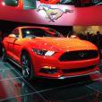 La nouvelle Ford Mustang 2015, dévoilée à Barcelone le 5 décembre lors de l'événement Go Further mené en simultané dans les villes de Dearborn, New York, Los Angeles, Barcelone, Shanghai et Sydney.