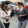 Kim, Kourtney Kardashian et sa fille Penelope profitent d'une après-midi entre filles à Beverly Hills. Le 16 décembre 2013.