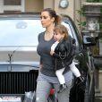 Kim Kardashian et sa nièce Penelope quittent l'institut de beauté Epione à Beverly Hills, le 16 décembre 2013.