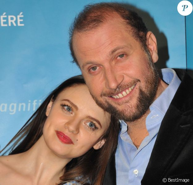 Sara Forestier complice avec François Damiens lors de la première du film Suzanne de Katell Quillévéré au cinema Max Linder à Paris, le 17 décembre 2013.