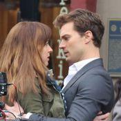 Fifty Shades of Grey : Jamie Dornan et Dakota Johnson tentés par un baiser...
