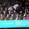 José Manuel Barroso, Herman van Rompuy, Robert Hue, Christiane Taubira, Laurent Fabius, le président afghan Hamid Karzaï, Nicolas Sarkozy, François Hollande etValérie Trierweiler lors de la cérémonie d'hommage officielle à Nelson Mandela au stade de Soccer City à Soweto le 10 décembre 2013