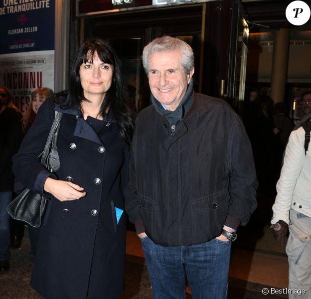 """Claude Lelouch et sa compagne Valérie Perrin assistaient à la générale de la pièce """"Love letters"""", qui réunit Anouk Aimée et Gérard Depardieu, au Théâtre Antoine à Paris, le 4 janvier 2014."""