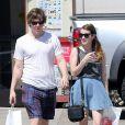 Emma Roberts et son compagnon Evan Peters à West Hollywood, le 30 mars 2013.