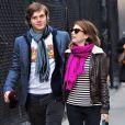 Emma Roberts et Evan Peters visitent le MOMA museum à New York le 7 janvier 2013.