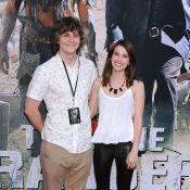 Emma Roberts : Fiancée à Evan Peters, après lui avoir explosé le nez...