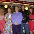 """Heidi Range, Cheryl Baker, Henry Winkler (alias Fonzie), Ben Freeman, Amy Anzellors du photocall de la comédie musicale """"Happy Days"""" à Londres le 8 janvier 2014."""