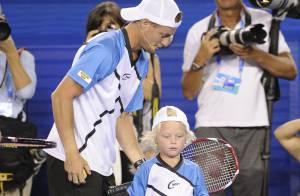 Lleyton Hewitt : Son adorable Cruz tape la balle avec Federer devant maman