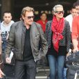 Johnny Hallyday et Laeticia et leur tribu arrivent à Los Angeles, le 12 janvier 2013.