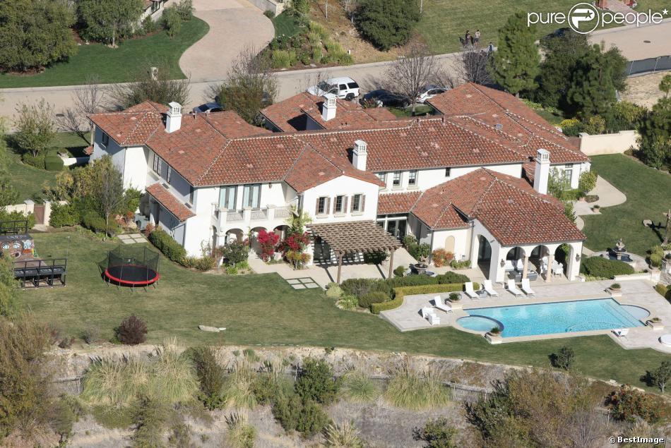 Vue Aérienne De La Maison De Justin Bieber à Calabasas. La Police A Annoncé  Ce