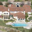 Vue aérienne de la maison de Justin Bieber à Calabasas. La police a annoncé ce mardi 14 janvier 2014 avoir trouvé de la cocaïne au domicile californien du chanteur Justin Bieber, alors qu'elle perquisitionnait les lieux dans le cadre d'une affaire de vandalisme présumé perpétré par le jeune artiste canadien.