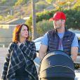 Exclusif - Jennifer Love Hewitt et son mari Brian Hallisay à Santa Monica, le 16 janvier 2014. Les jeunes parents se promènent avec leur nouveau-né, Autumn James, le long de la plage de Santa Monica.